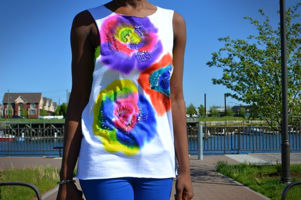 Daniela Tabois DIY Floral Print Safety Pin Muscle Tank 3