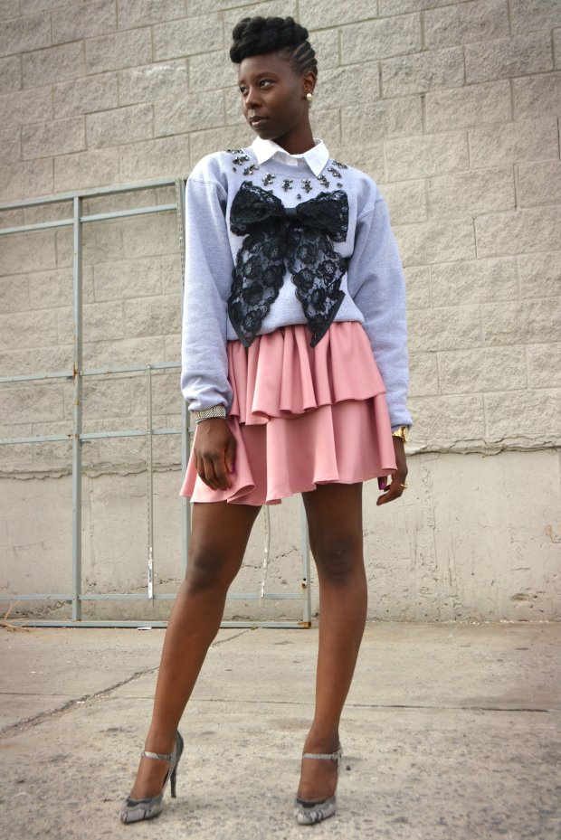 Daniela Tabois DIY Embellish Lace Bow Sweatshirt 7