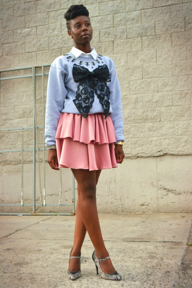 Daniela Tabois DIY Embellish Lace Bow Sweatshirt 8