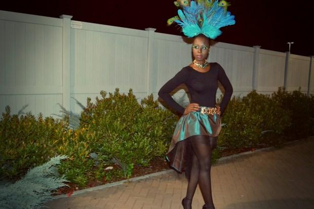 Daniela Tabois DIY Peacock Costume5