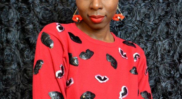 Daniela Tabois DIY Lip Sequin Sweater5