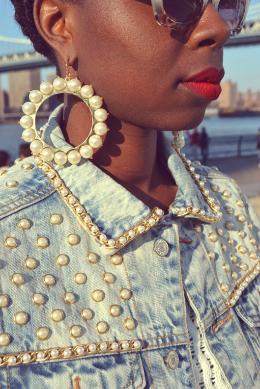 DanielaTabois DIY Pearl Studded Chain Denim Jacket5