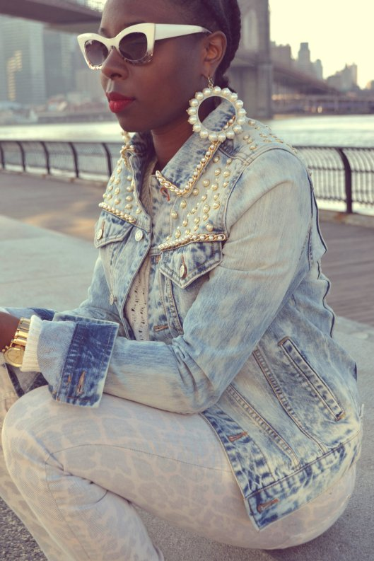 DanielaTabois DIY Pearl Studded Chain Denim Jacket6