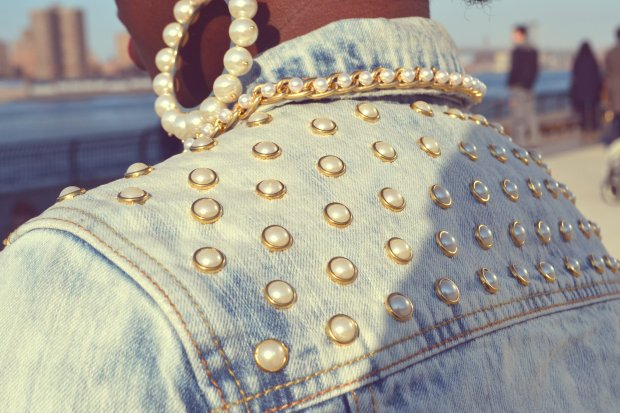 DanielaTabois DIY Pearl Studded Chain Denim Jacket7